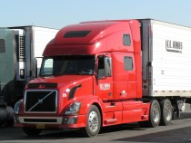 Semi-Truck Cleaning: The Right Way to Do It