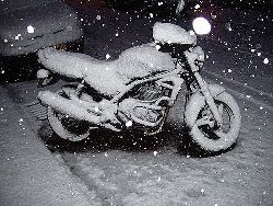 motorcycle_in_winter