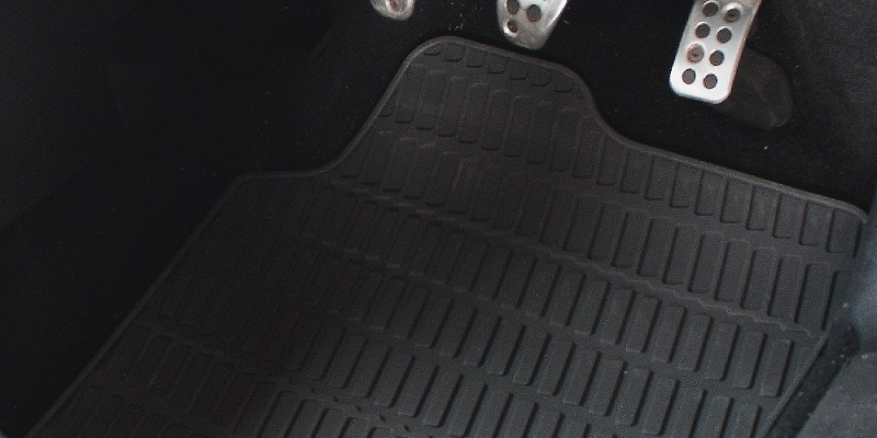 How to Clean Rubber Car Mats in 5 Quick Steps [VIDEO]
