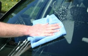 How To Properly Clean A Windshield