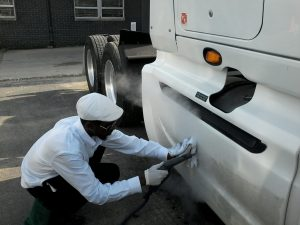 7 Things to Consider in a Truck Wash Near You