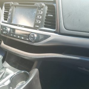Vacuuming a Car the Right Way - Dashboard Dust