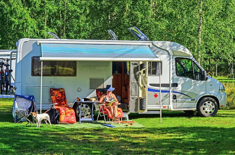 Mobile RV Cleaning – DIY or Call a Professional Detailer?