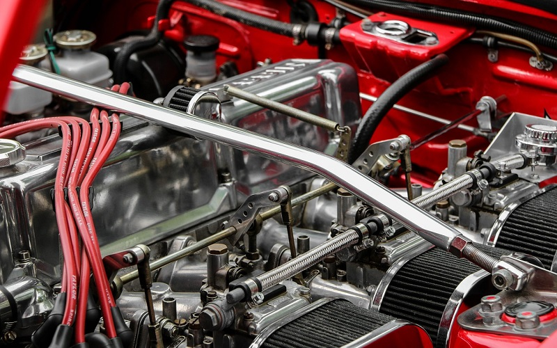 Engine Detailing Basics: Why the Engine Should Not Be Running